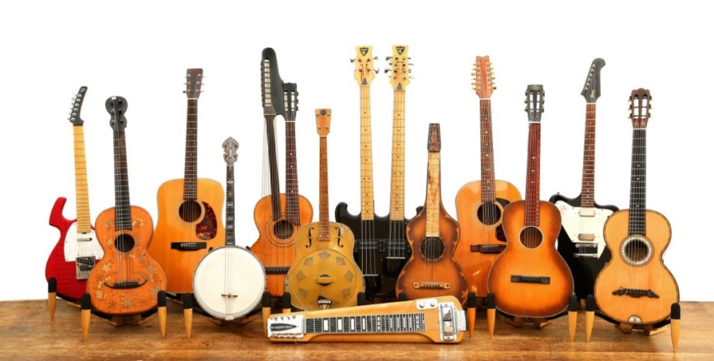 image-8753900-London-Chiswick-Auctions-Guitar-group-shot-1024x518.jpg